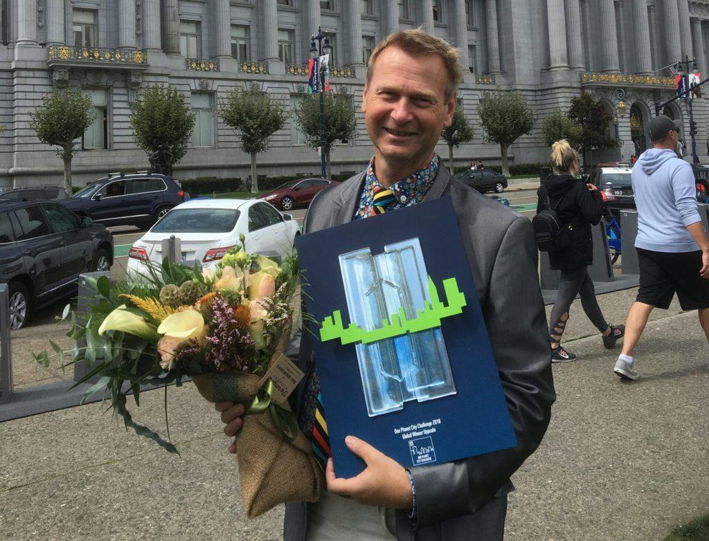 Björn Sigurdson, Klimatstrateg i Uppsala, i San Fransisco 2018. Uppsala gick då vidare till internationell final och blev Årets klimatstad globalt.